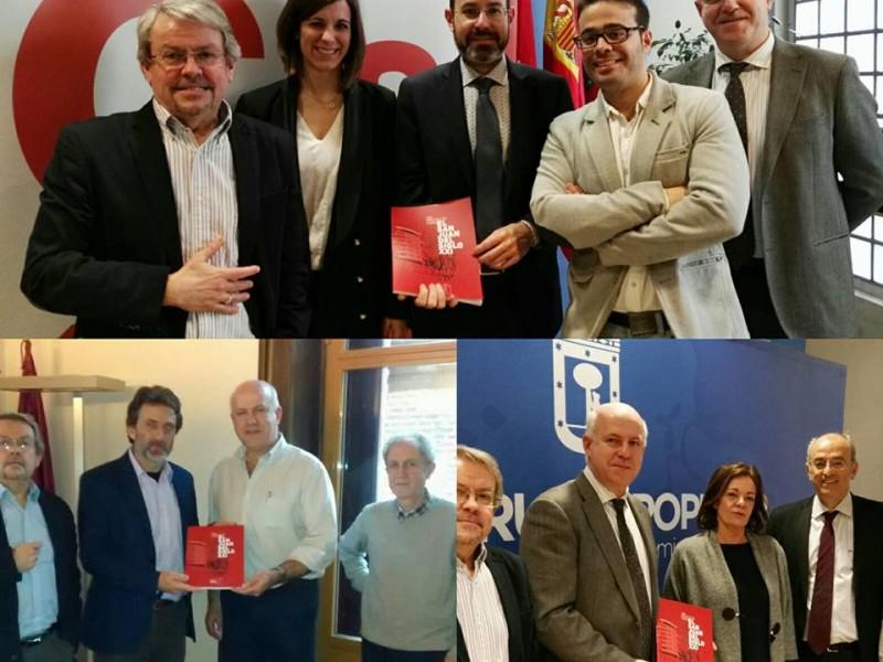 Políticos madrileños apoyando a la Fundación San Juan Evangelista